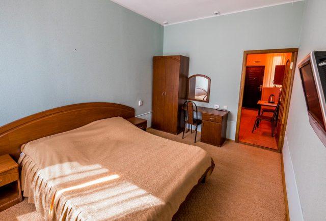 2-х местный 2-х комнатный с диваном