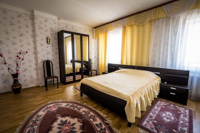 4-х местные 3-х комнатные апартаменты в Ейске