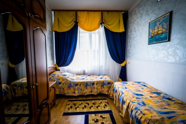 номер с двумя раздельными кроватями в Ейске